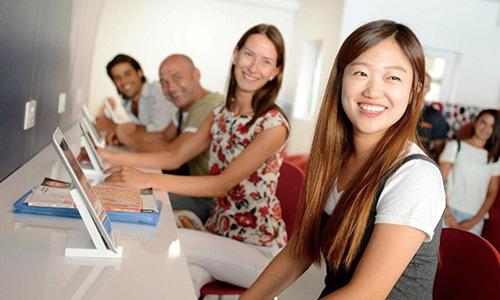 Academic English(大学進学準備英語)