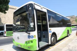マルタ路上バス